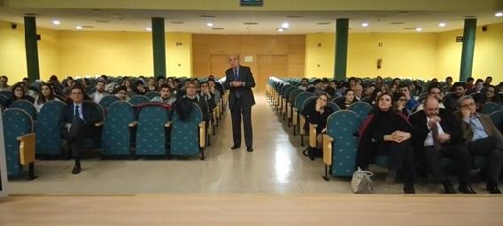 Pedro Luis Uriarte en la Universidad de Cantabria. Santander.