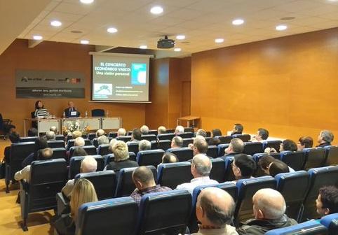 Conferencia de Pedro Luis Uriarte en Markina-Xemein